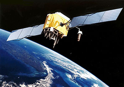 Dark matter satellites trigger star birth