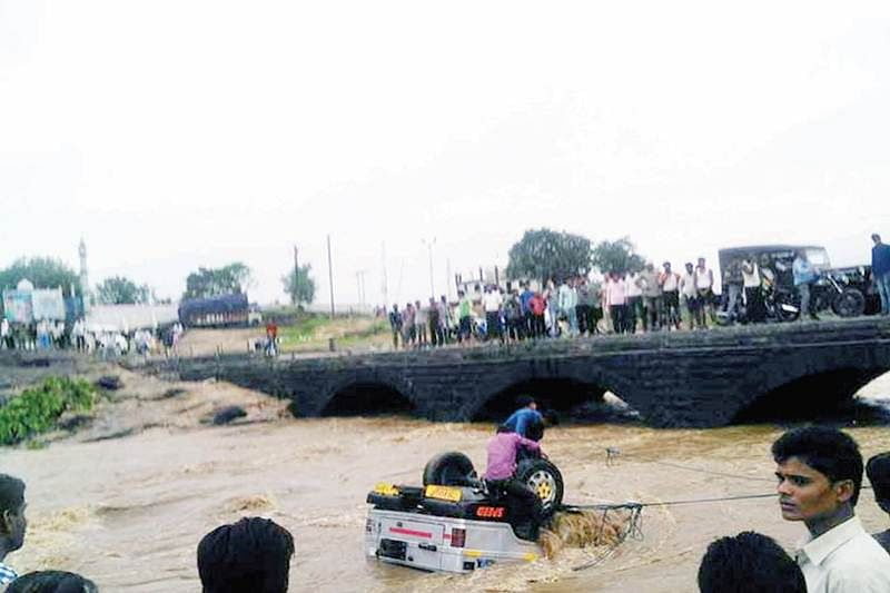 Met office warns of heavy rains in Bhopal, 13 other dists