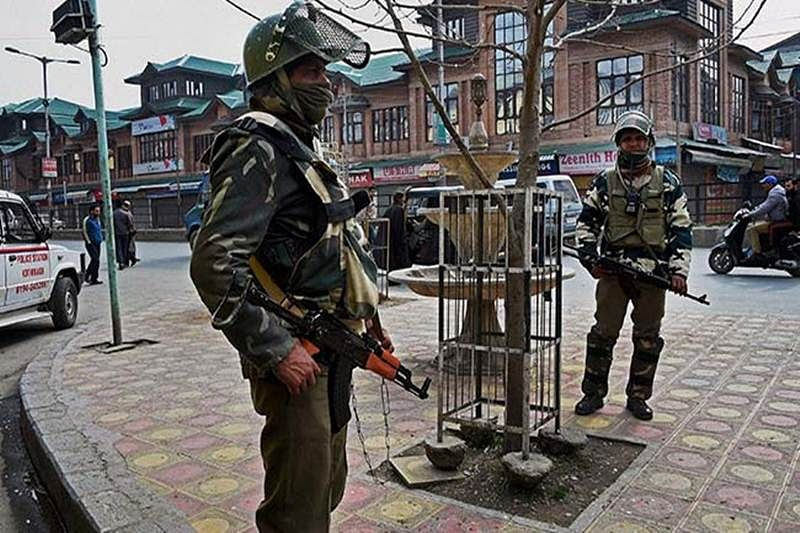 Restrictions in Kashmir to be eased to allow Friday prayers in local mosques