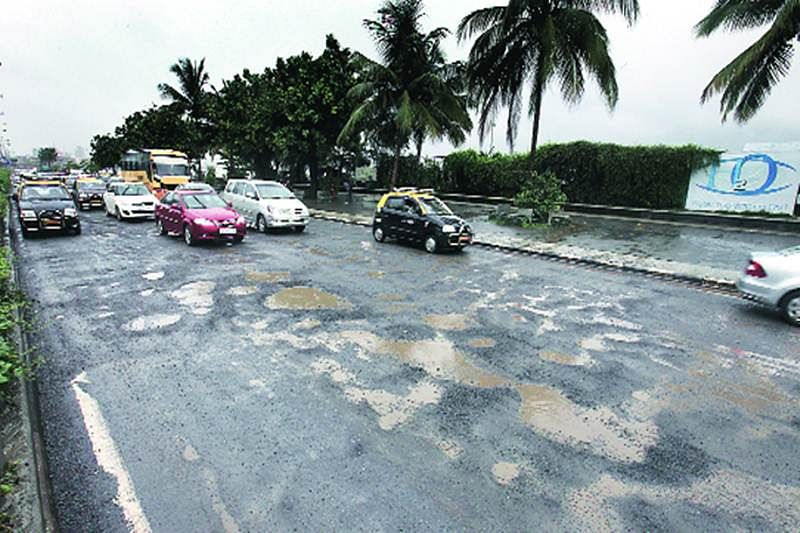 Opposotion parties slams MCGM, BMC's road repair claims