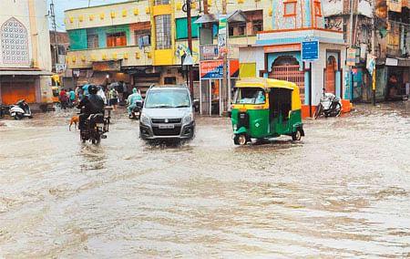 Bhopal: Waterlogging stares at Saket Nagar residents