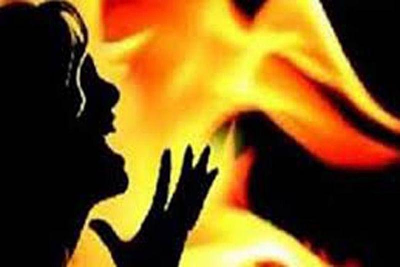 Blaze in South Mumbai, fireman among 2 injured