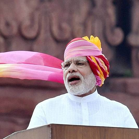 While Imran Khan rants about India on Pakistan Independence -Day, Narendra Modi pushes for growth at Red Fort