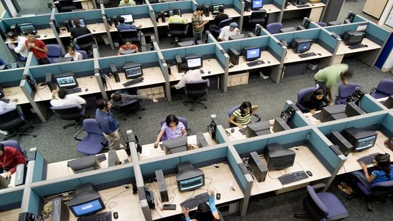 Raid at Thane call centres for duping US citizens