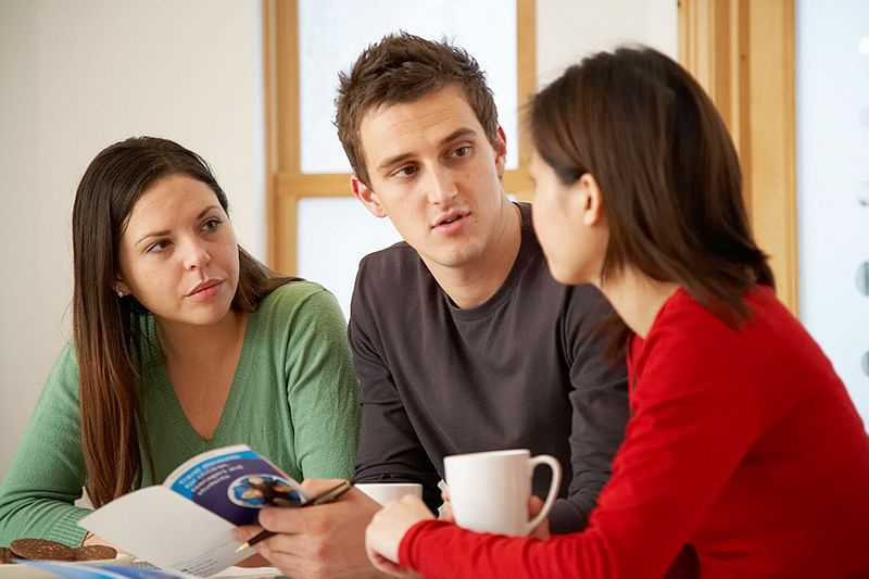 Interaction with others may improve our decision making