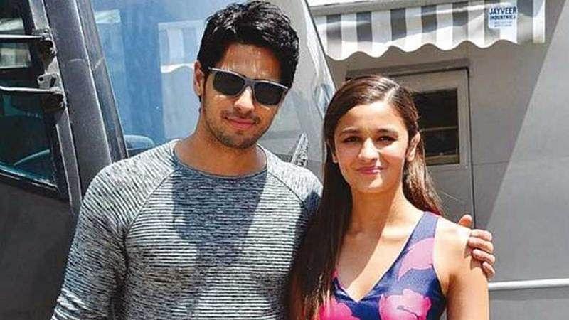 After breakup Sidharth Malhotra & Alia Bhatt at Manish Malhotra's bash