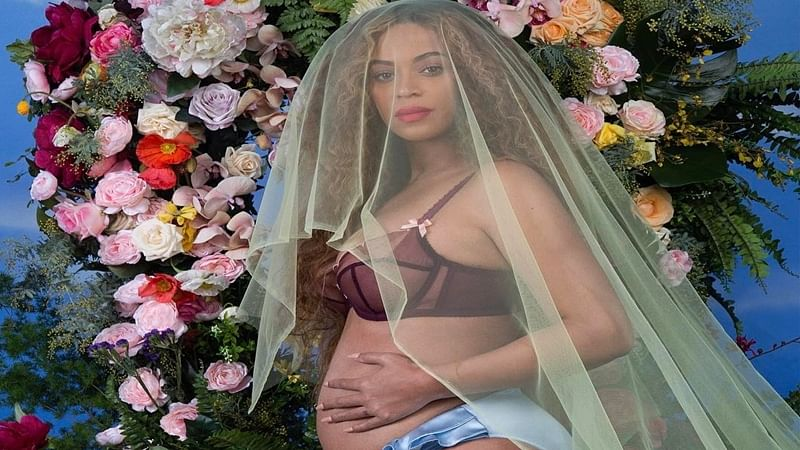 Twitter explodes as Beyonce announces she's expecting twins!