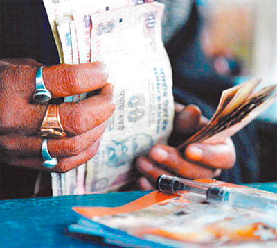 Ujjain: 21 gamblers nabbed from Begambag Colony, BJP corporator spared