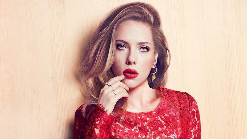 Scarlett Johansson: Black Widow to go alone