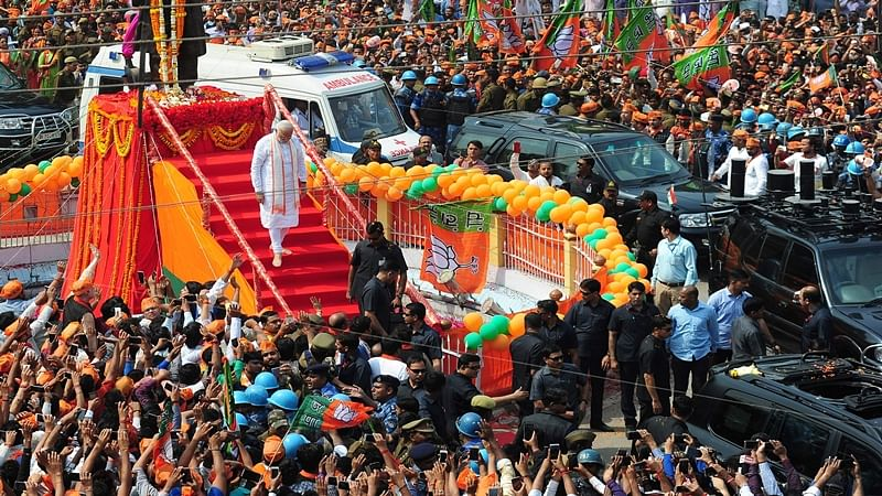 UP Election 2017: PM Modi's road show at Varanasi begins, huge crowd turns up