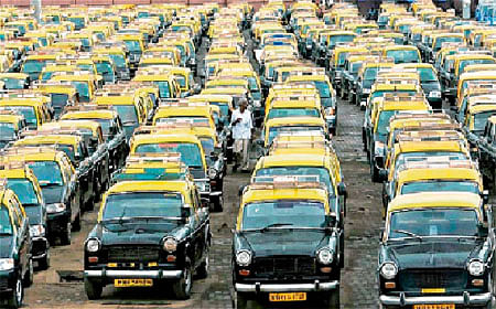 Kaali Peeli union opposes CNG deadline change to Ola and Uber