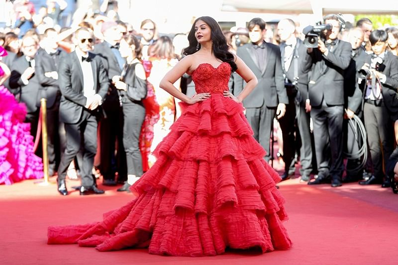 Cannes 2017: Cute Aaradhya shares spotlight with Aishwarya Rai Bachchan