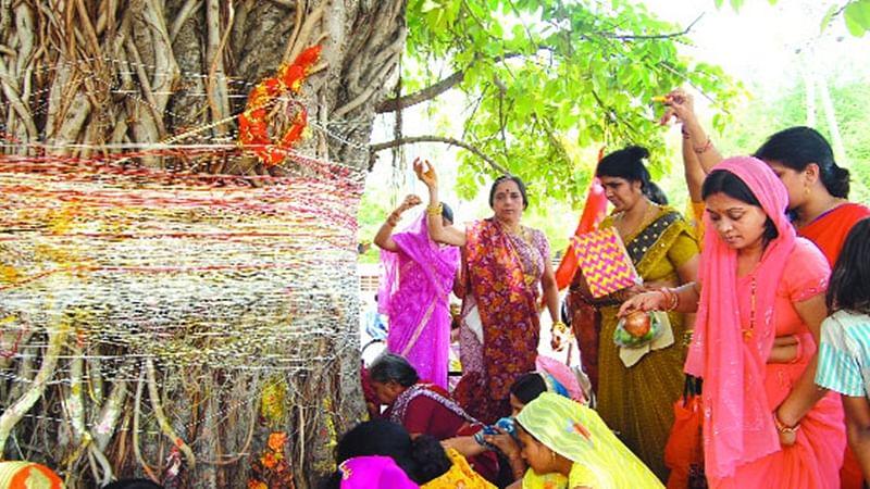 Vat Savitri 2019: Date, Time, Shubh Muhurat, Puja Vidhi and Vrat Katha to celebrate festival of married women