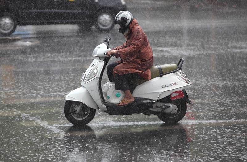 Overnight rain claims 12 lives in Maharashtra