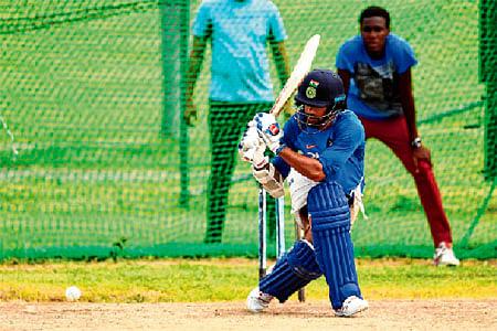 India eye unassailable lead