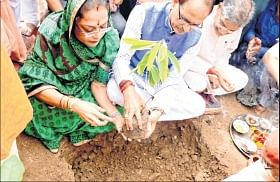 Bhopal: All public progs to begin with plantation: CM