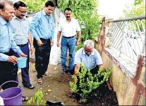 Bhopal: Anupam Rajan leads drive in Jansampark campus