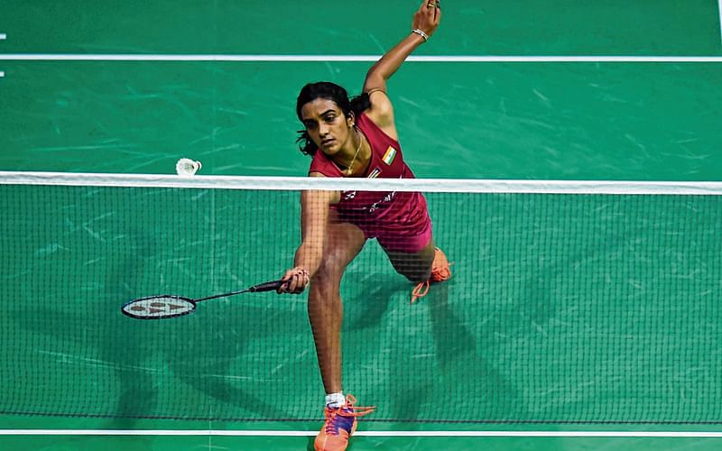 Saina crashes out of World C'ship, all eyes on Sindhu now