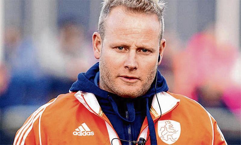 Indian men's team grabs women's coach