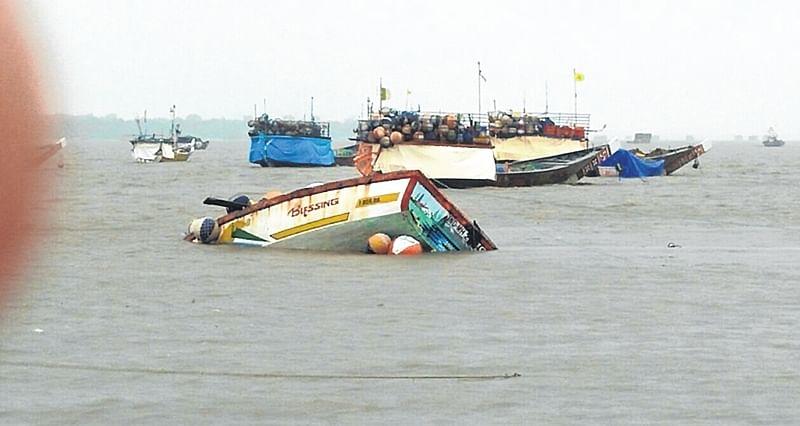 Karnataka: Six dead as boat capsizes in Kurumagada island