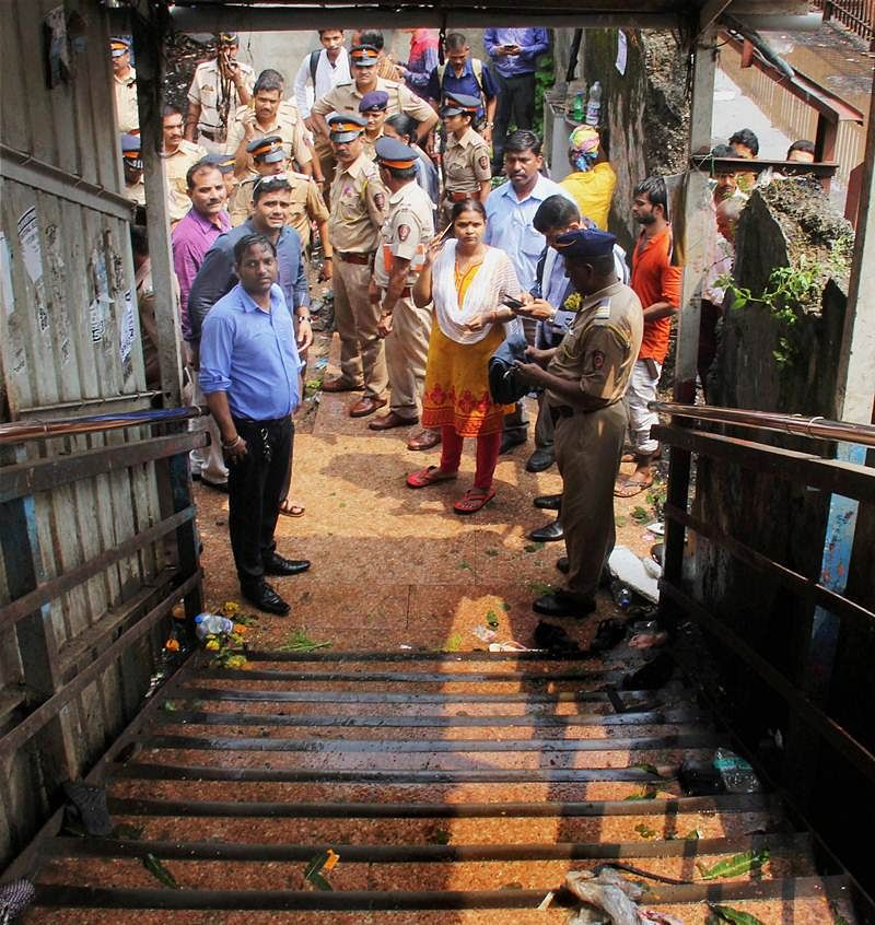 Bridge to (Hell)phinstone: Here's how the tragic Mumbai stampede unfolded
