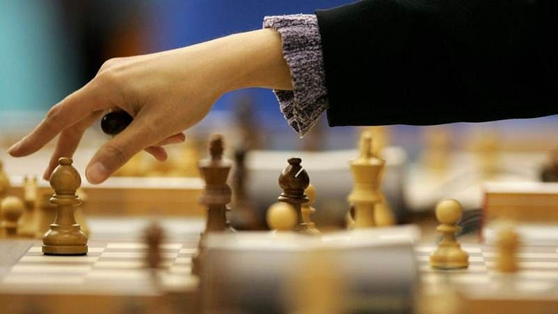 Bhopal Chess Tourney: America's Grand Master takes the lead