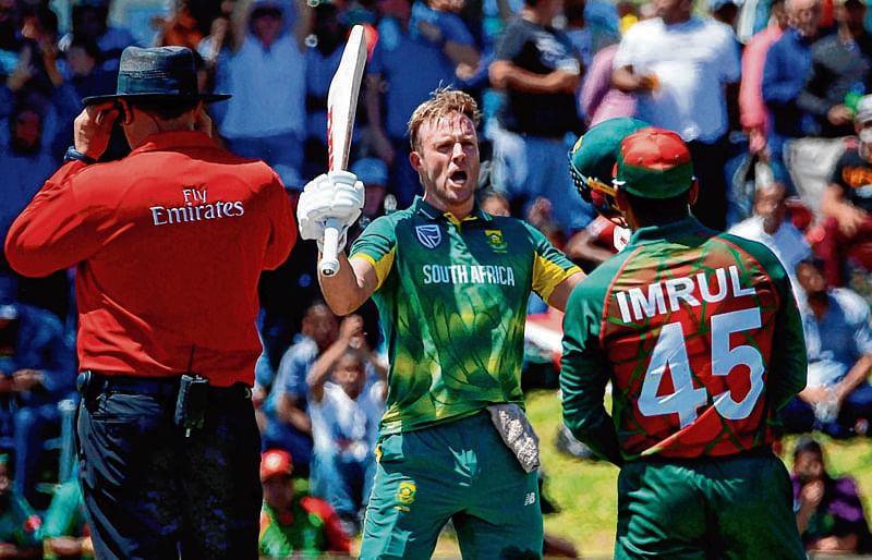 De Villiers hits 176 as South Africa score 353/6 vs B'desh