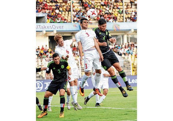 Iran defeat Mexico 2-1, set up quarter-final clash with Spain