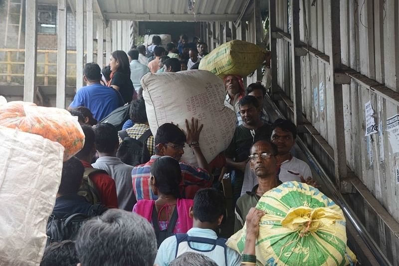 Mumbai stampede: Corporate sector must fund maintenance of FOBs at stations, suggest Railway activists