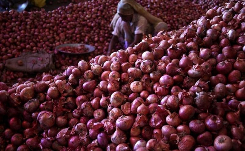 Prices of onions and tomatoes across Maharashtra fails to cool off
