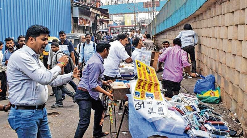 Mumbai: MNS leaders meet Ajoy Mehta demand to take immediate action illegal hawkers