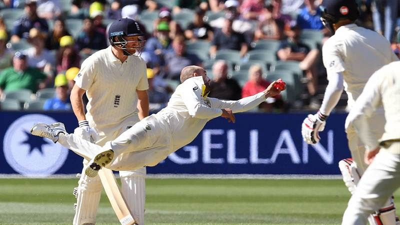 Ashes 2017 second Test: Nathan Lyon takes stunning catch to dismiss Moeen Ali on the Day 3; watch video