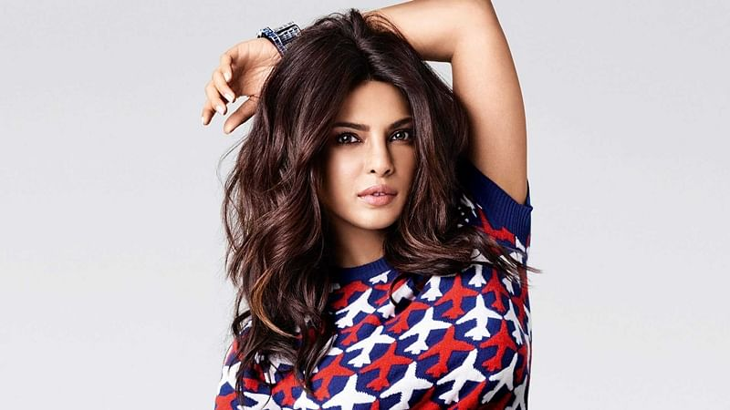 OMG! Priyanka Chopra charging Rs 5 crore for 5-minute gig at awards show?