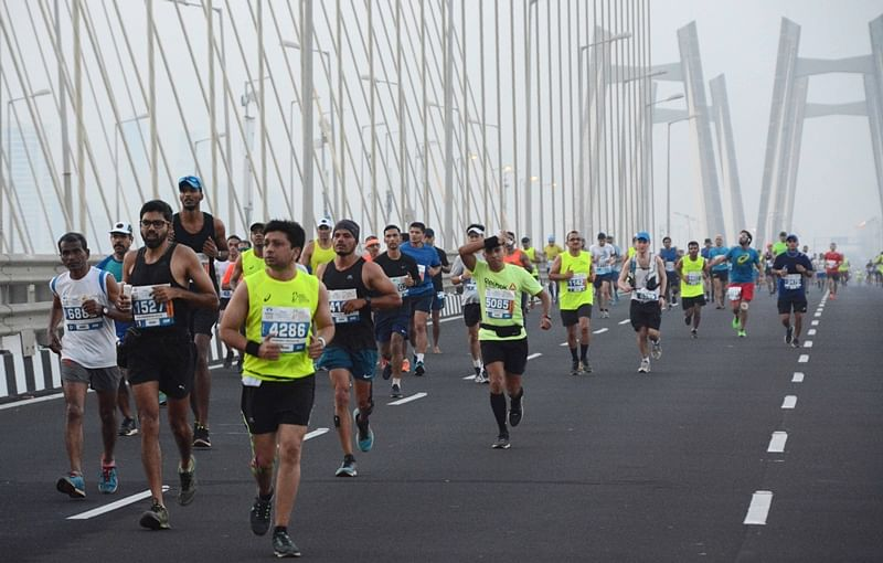 Mumbai Marathon 2018: 44,000 participate, 11 marathoners hospitalized due to de-hydration