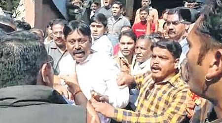Indore: BJP corporator manhandles IMC deputy commissioner during demolition drive