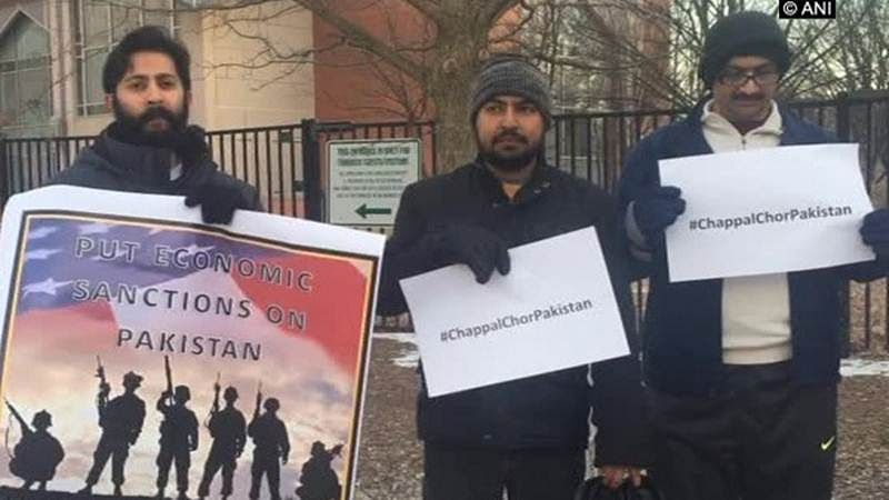 Kulbhushan row: Indo-Americans, Balochs chant 'Chappal chor Pakistan' against mistreatment of Jadhav's family