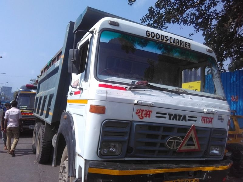 Mumbai: Police arrest four for knocking down man with dumper, leaving dead body on footpath