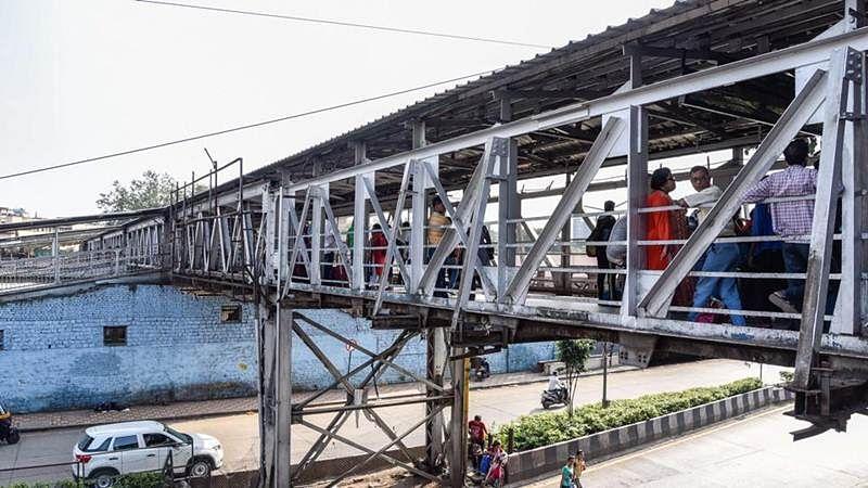 Mumbai: 10 teams of BMC, Railways, IIT experts to inspect 445 railway bridges in the city