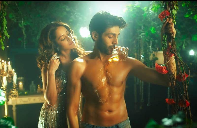 'Sonu Ke Titu Ki Sweety' new song 'Chhote Chhote Peg' has Honey Singh in form