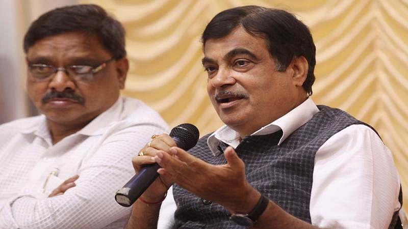 Ashamed of Mumbai's stinking seashores, Nitin Gadkari blasts Shiv Sena