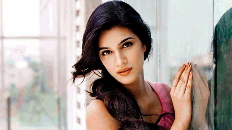 Kriti Sanon joins Akshay Kumar, Bobby Deol and Riteish Deshmukh in Housefull 4