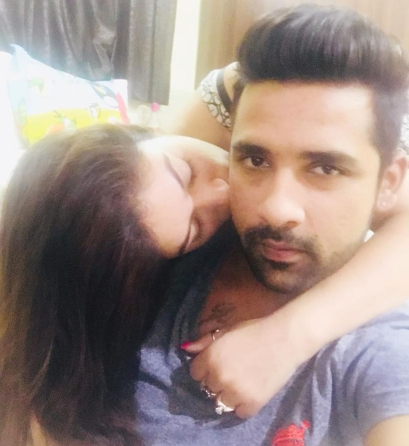 Ex-Bigg Boss 11 contestants Puneesh Sharma and Bandgi Kalra to bring their chemistry on-screen with 'Love Me'