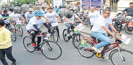 Indore: Doctors hit streets on cycle to protest 'pro-rich' NMC Bill
