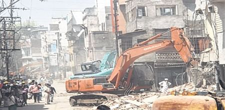Indore: IMC demolishes 70 structures at Machhi Bazaar after SC dismissesaggrieved residents' petition