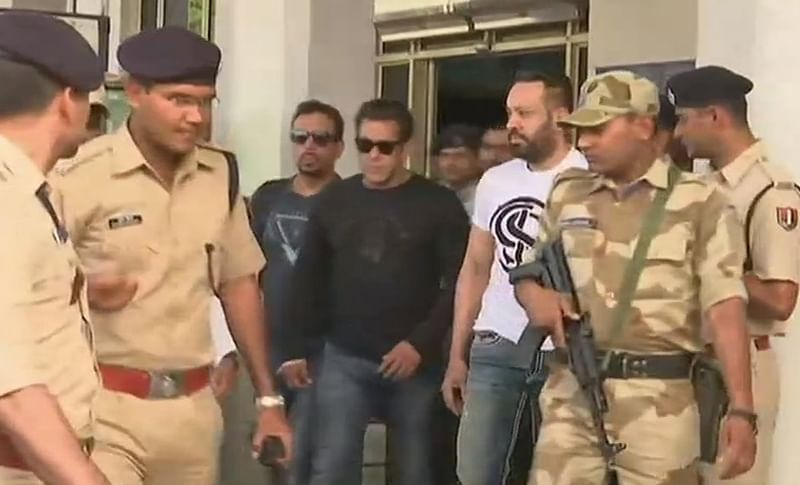 Blackbuck poaching case: Salman Khan, Saif Ali Khan, Tabu in Jodhpur ahead of verdict; [See Pics]