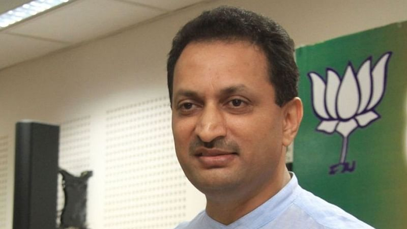 Anantkumar Hegde attacks IAS officer Sasikanth Senthil, asks him to go to Pakistan