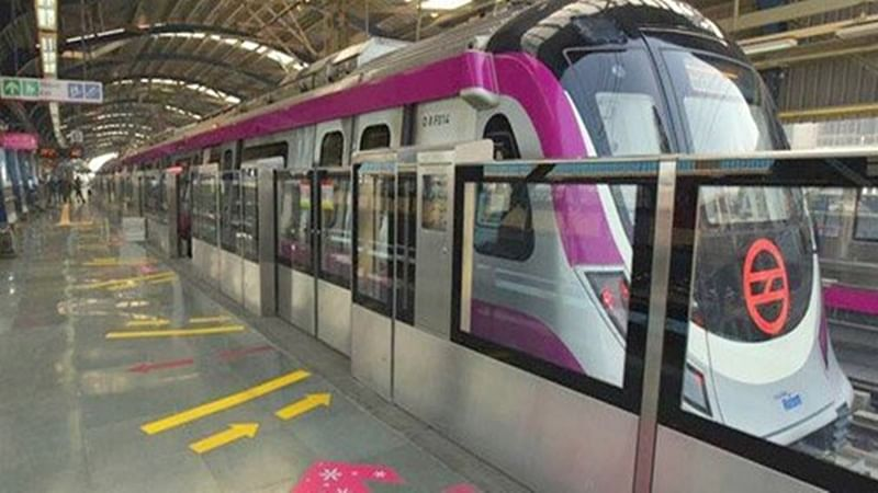 Delhi woman jumps on metro tracks to fetch Rs 2000 note, comes under train; rescued