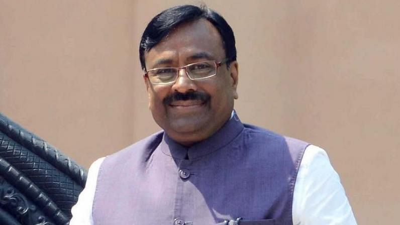 Sudhir Mungantiwar confident of forming govt with Shiv Sena within a week