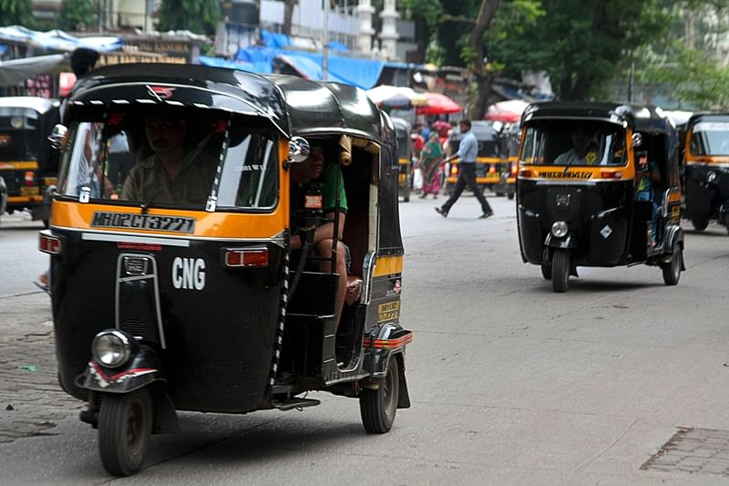 Mumbai: Passenger robbed by an auto driver and two fake passengers in BKC