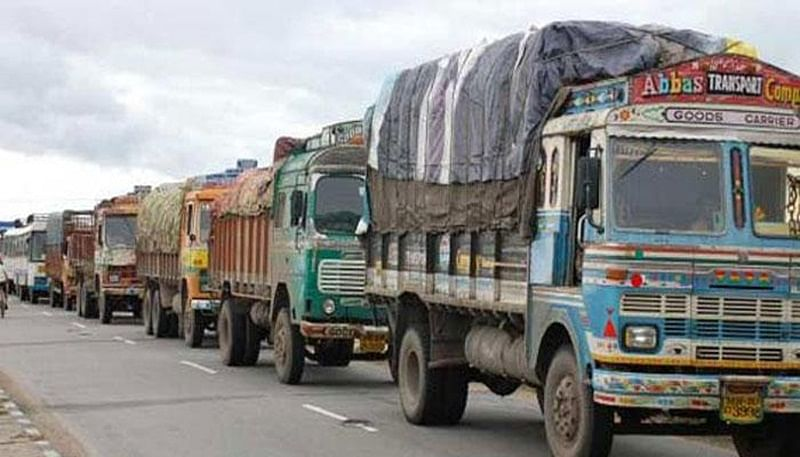 News Alerts!  Heavy, medium goods vehicles won't be allowed in Delhi from 11 pm tonight; ban to continue till December 11